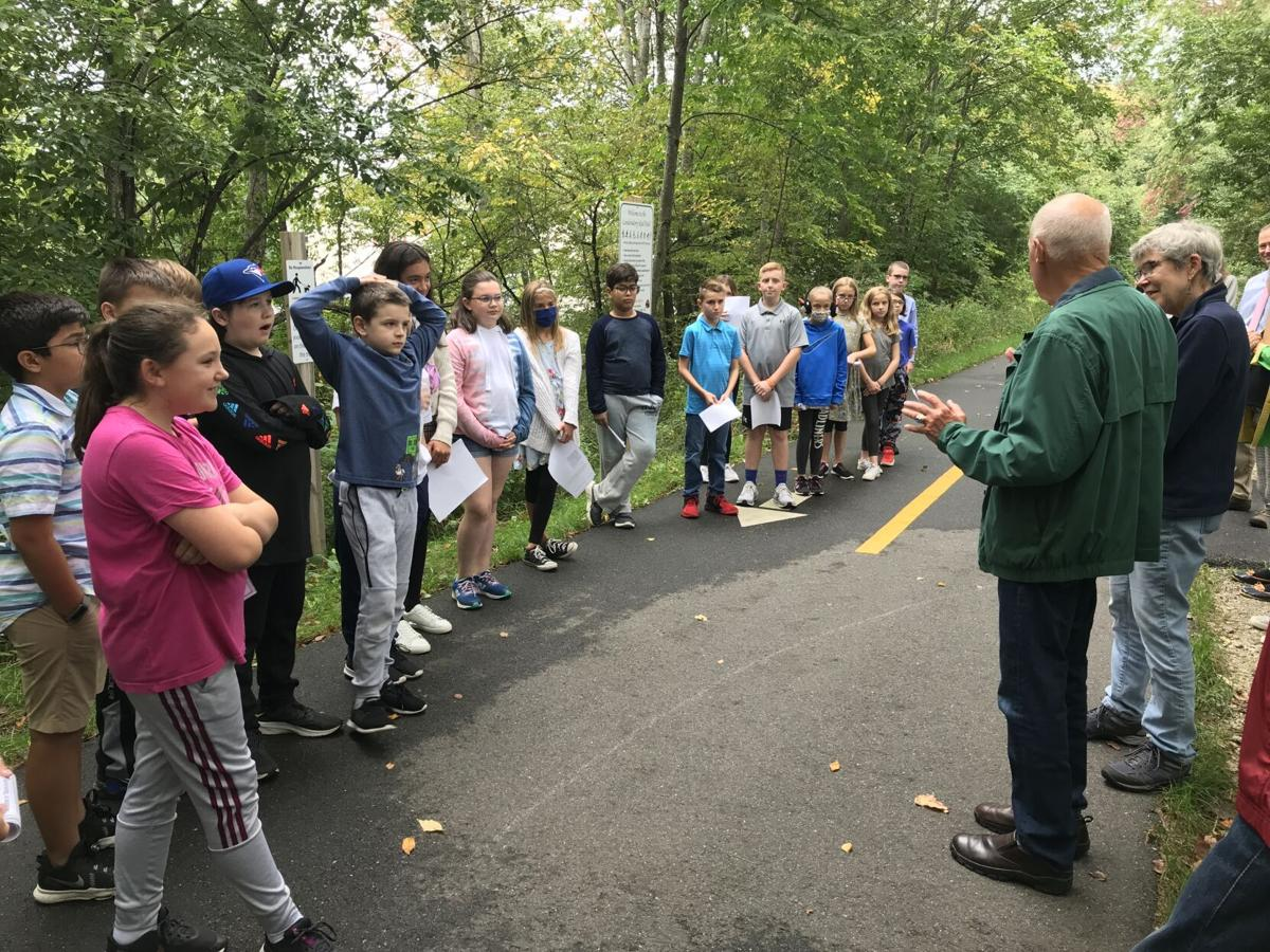 Londonderry students take to the trails