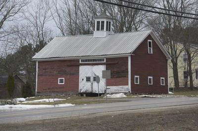 Litchfield Road barn to get artistic improvements
