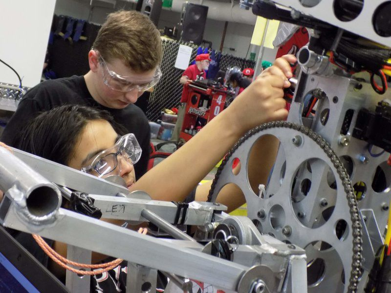 LHS robotics season underway