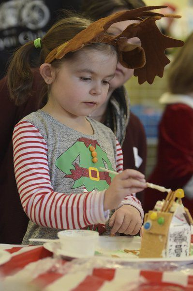 Grinnell Elementary students enjoy gingerbread fun