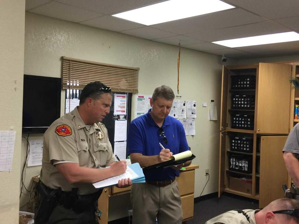 Kern County Sheriff Raids Illegal Pot Shops Rosamond Arrests