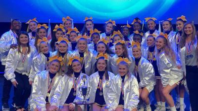 Desoto Central cheerleaders