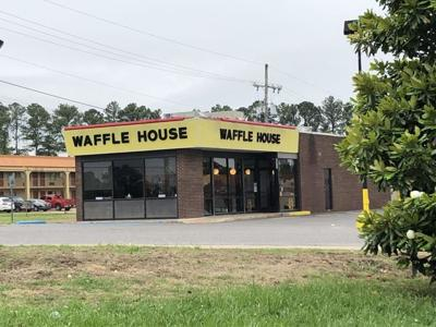 Southaven Waffle House Window Shot Out News Desototimes Com