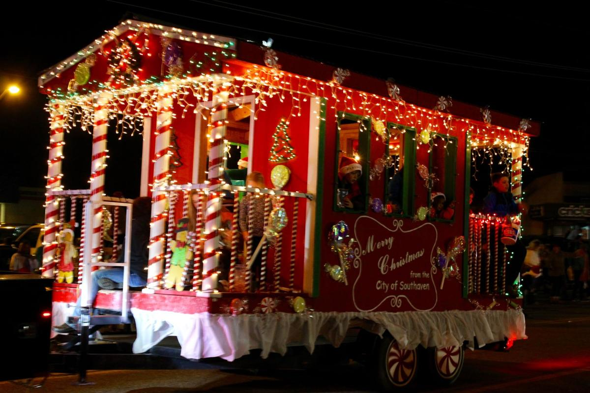 a float wishing a merry christmas from the city of southaven helped lead thursday nights christmas parade of lights along stateline roadmain street