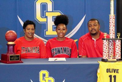 Nadia Gillespie signs with Itawamba Community College