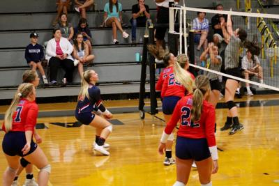 Lewisburg volleyball players