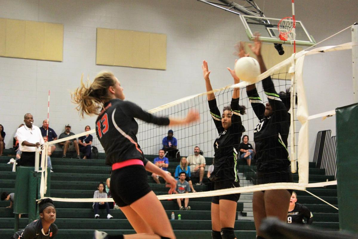 Southaven - Lake Cormorant volleyball
