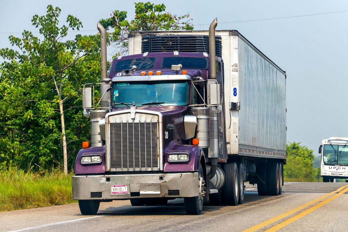 Semitrailer traffic