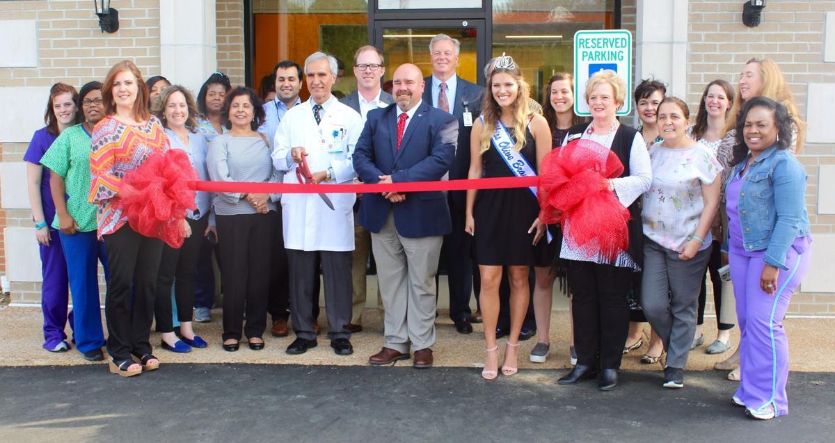 DeSoto Children's Clinic holds ribbon cutting