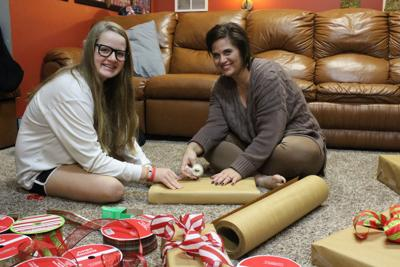 1223 Gross gift wrapping.jpg