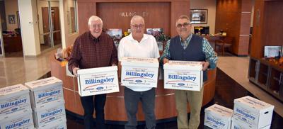 Billingsley donates to Stephens County Christmas Dinner.