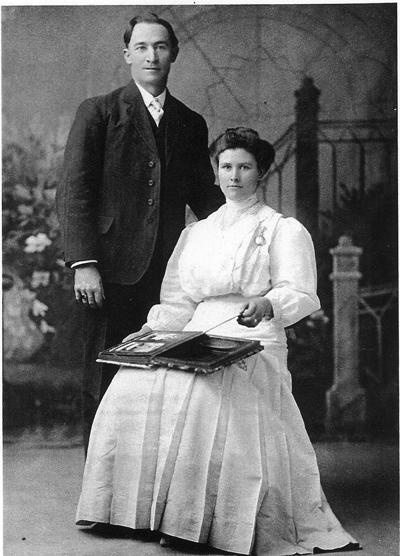 Hyrum and Elizabeth Lamb Crockett
