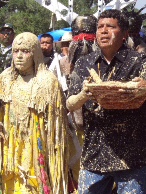 Apache Tribes Celebrate Velez U0026 39 S Coming Of Age
