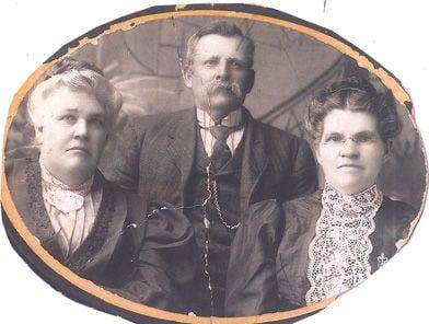 Kempton and his sisters