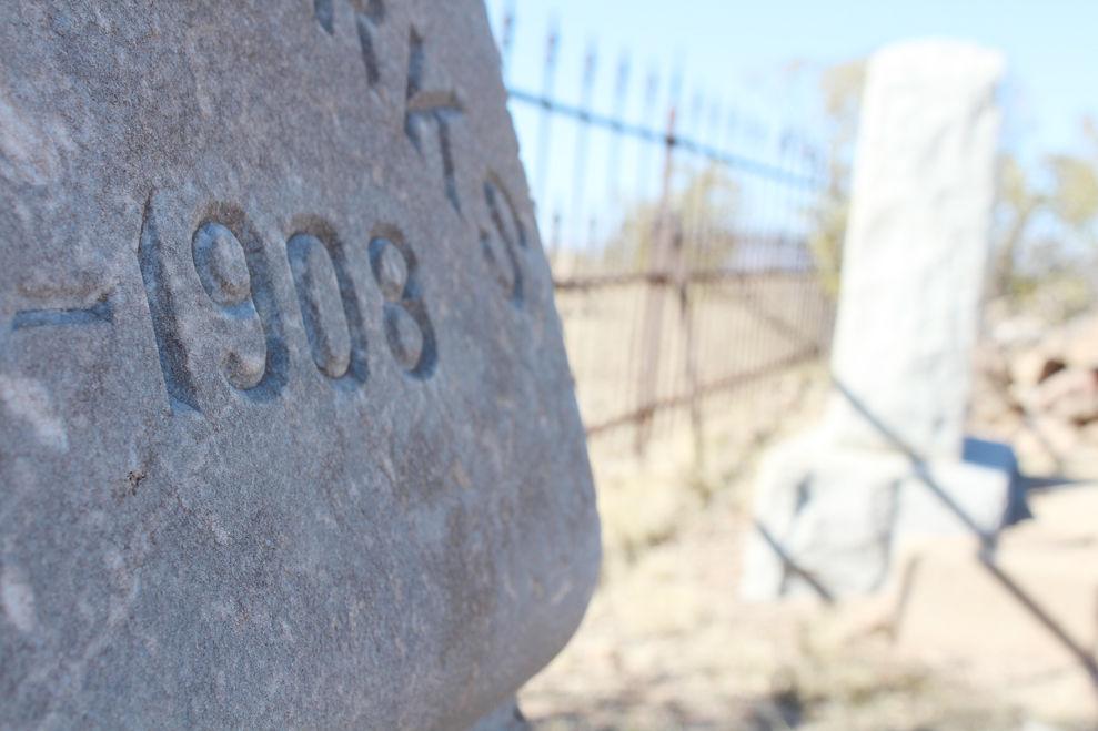 1908 grave