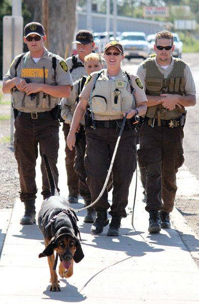 gila valley hosts officer canine training