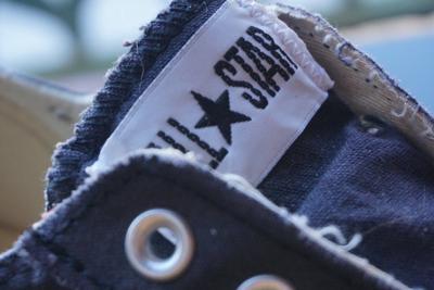 0627 Vidro Consumerism Sneakers
