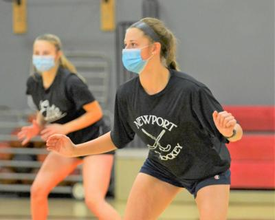 12052020 Newport's Morgan Roberts works on a defnesive shuffle move during practice on Thursday