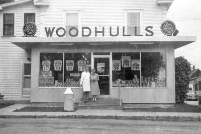 WOODHULL'S MARKET