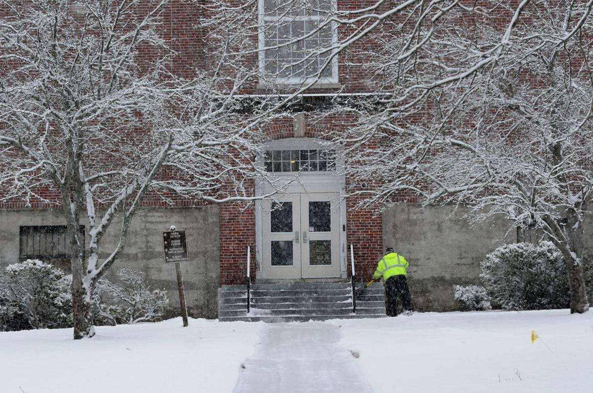Snow brings messy morning commute in Merrimack Valley