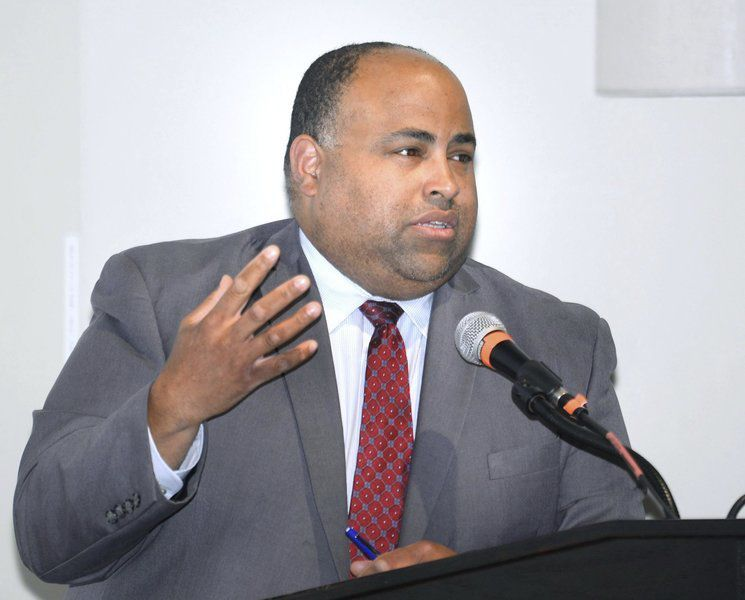 Rivera discusses gas disaster in Merrimack College lecture