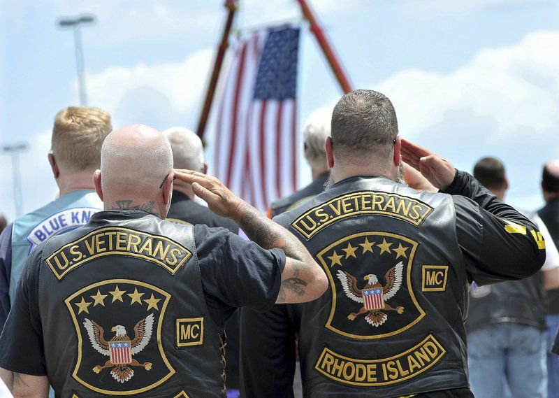 Patriots' Kraft pledges $100K for families of bikers killed