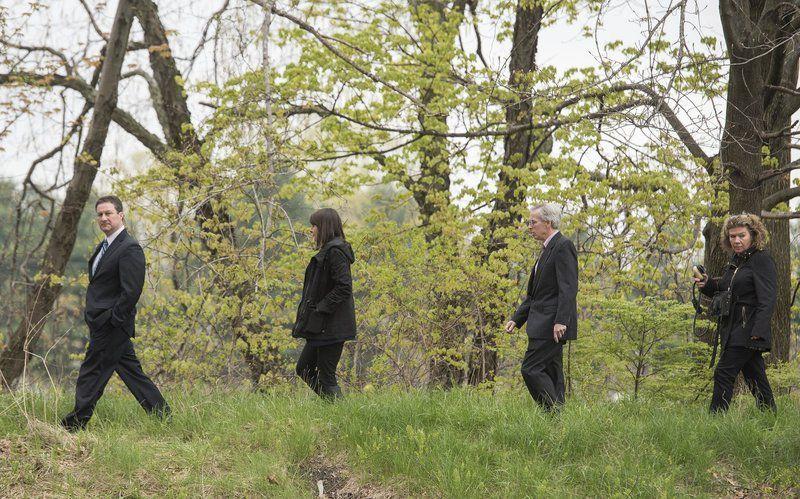 Borges jurors view crime scene
