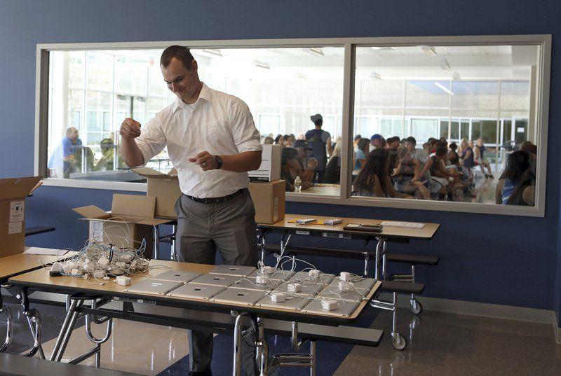 Methuen High students begin school year with iPads