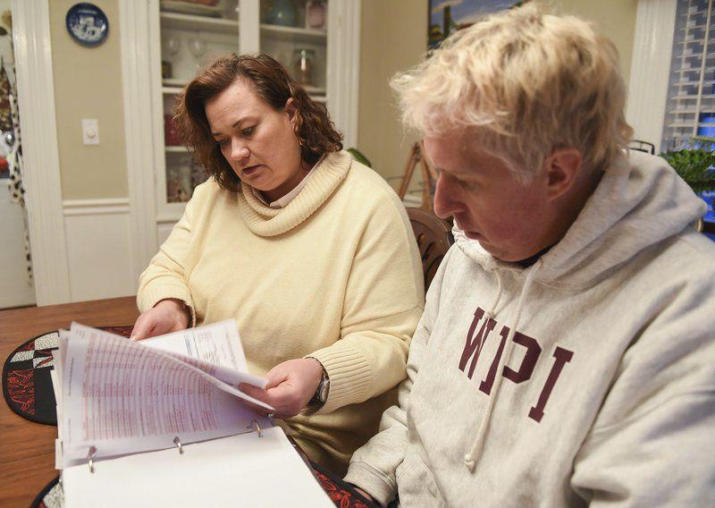 Residents: Re-light effort disorganized
