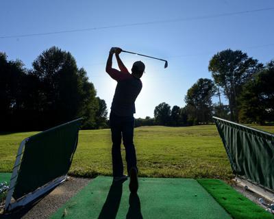 Gazette Santa Hole in One Contest at Garrison Golf (photos for ET and Gazette)