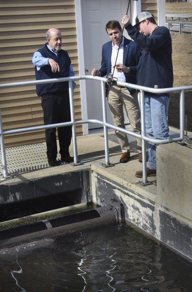 Congressman visits Seabrook's wastewater treatment facility