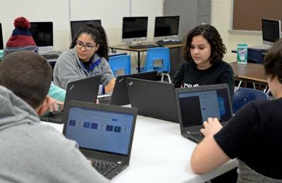 New Haverhill High class tries to lure girls to computer programming
