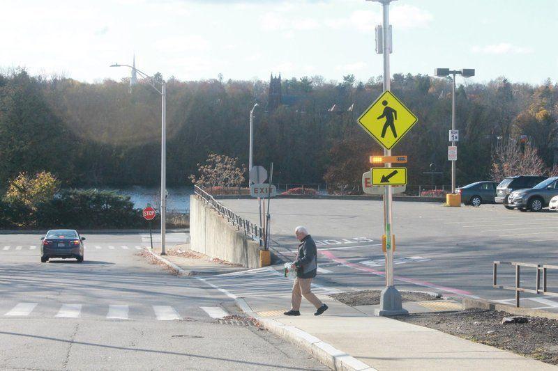 Flashing beaconsaddedat dangerous intersection