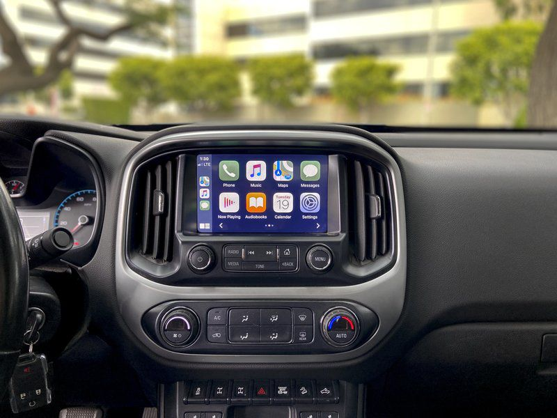 Edmunds' experts pick their favorite must-have car features