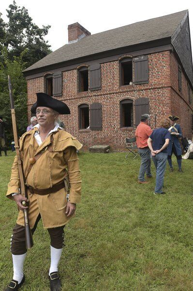 Muster brings living history to Haverhill