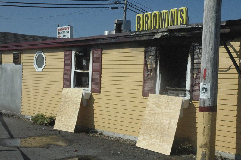 Fire closes popular Seabrook seafood restaurant