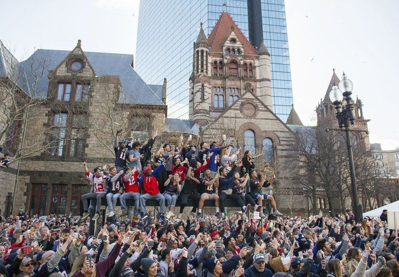 Fans fill Boston streets to cheer on their Patriots