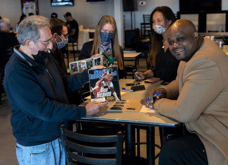 Celtics legendsigns autographs at Salisbury Sports Pub