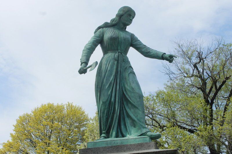 Haverhill lets Hannah Duston stay — Much-debated statue remains in park, but with changes