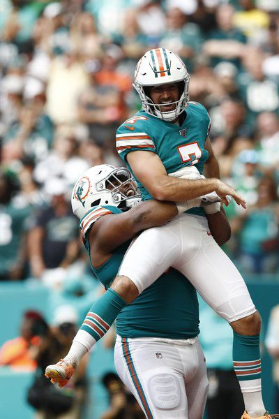 Fake FG just one of Dolphins' special tricks