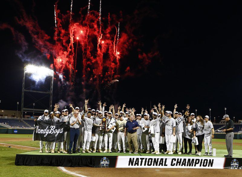 What we missed: Baseball in London, College World Series and Game 7 of Cup Finals