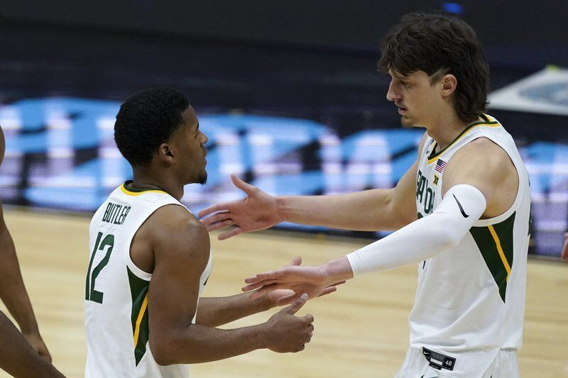 Baylor routs Houston to reach title game