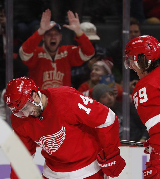 Fabbri scores twice in 1st game, Red Wings beat Bruins