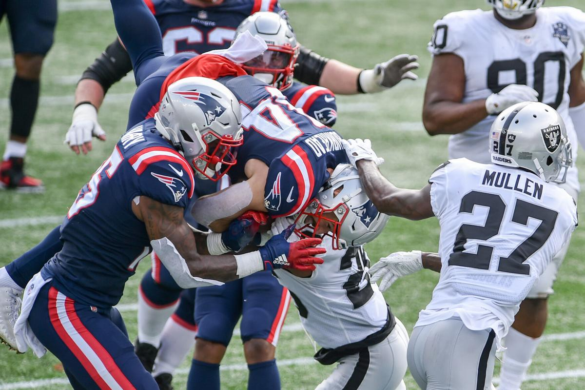 SLIDESHOW: New England Patriots improve to 2-1 after win against Las Vegas Raiders | Gallery | eagletribune.com