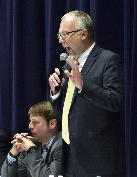 Democratic candidates face-off in 1st District forum