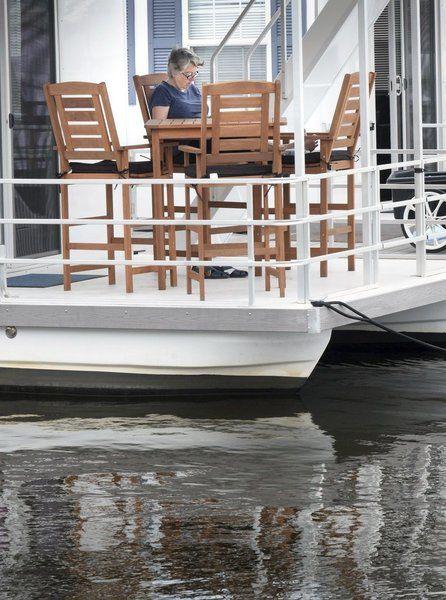 Houseboats a floating hit in Newburyport
