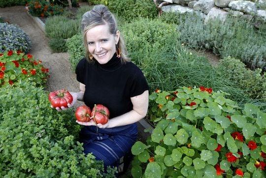 On Martha\'s Vineyard, Obamas savor local produce | News ...