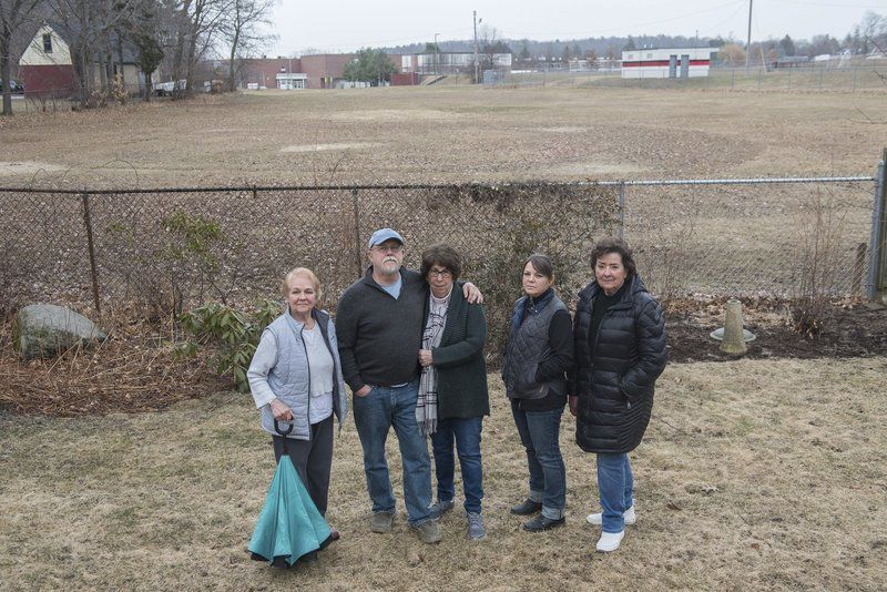 Neighbors express their worries about planned recreation complex