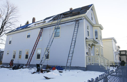 One Worker Dies Other Injured In Fall From Roof Local