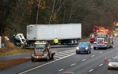 Truck driver injured in I-495 crash | Local News | eagletribune com